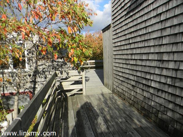 Side deck nook