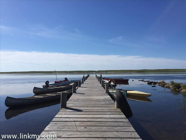 Private dock access on Chilmark Pond