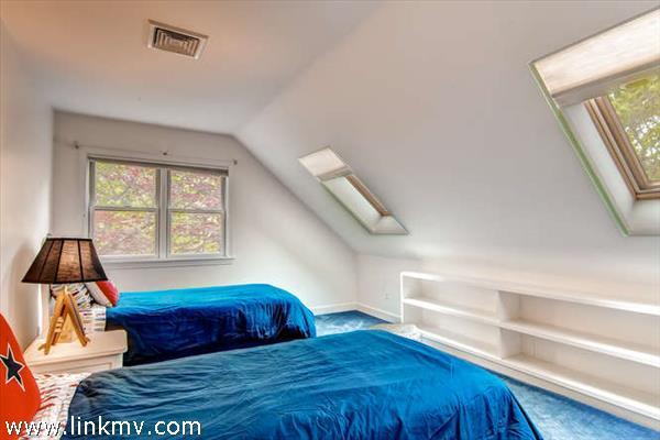 Chilmark Quansoo guest bedroom