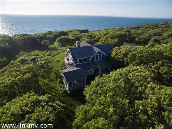 Quintessential north shore Martha's Vineyard