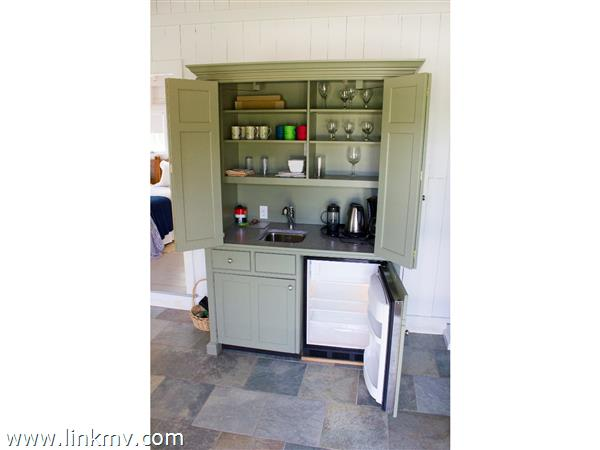 Guest house wet bar