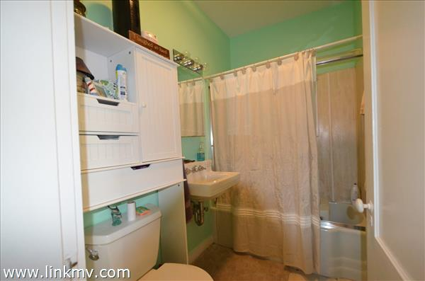 41 Ocean Ave full bathroom