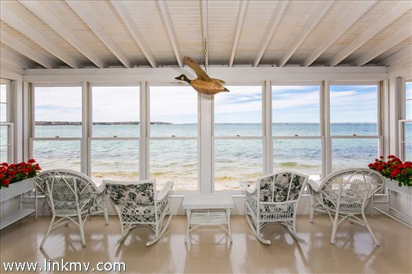 Sun porch off main living area