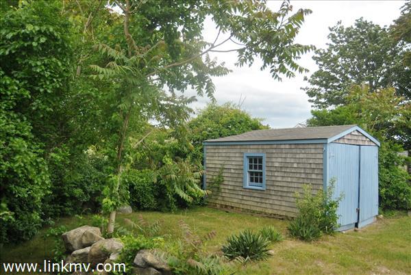 garage/shed building