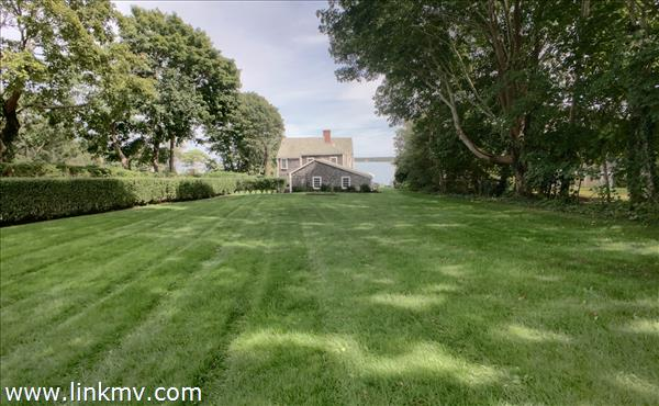 Expansive front lawn to the house.