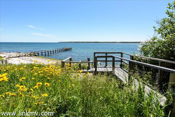 Walkway to beach deck