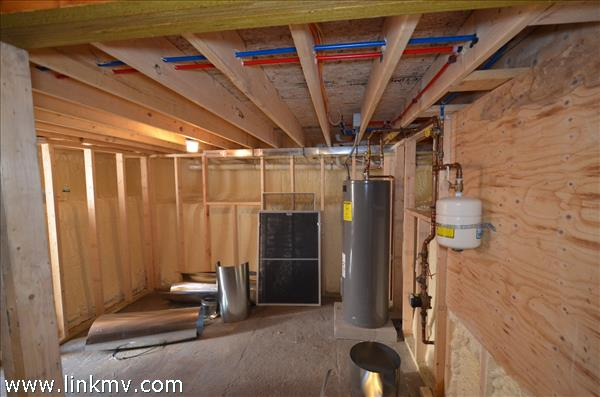Partial basement with exterior access super insulated