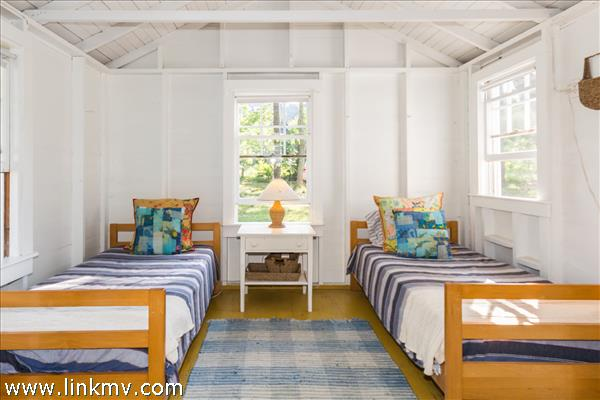 Bunk Cottage Bedroom 2